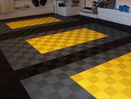 fotos von garagen mit garagenb den. Black Bedroom Furniture Sets. Home Design Ideas