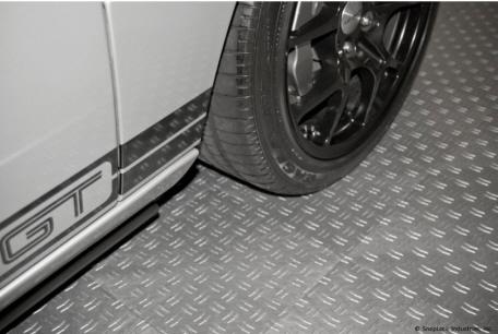 Pp bodenplatten der tec serie in der garage - Kunststoff fliesen garage ...